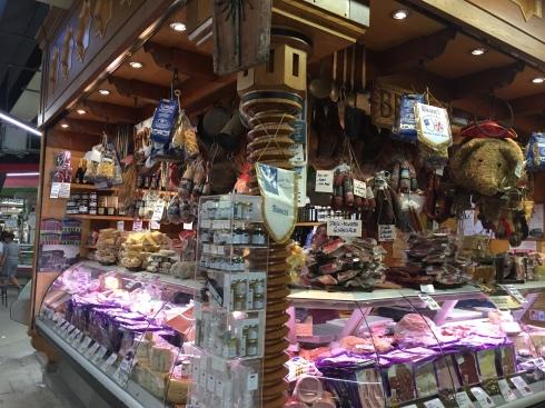 Mercato di San Lorenzo in Florence - WanderlustJourney.ca